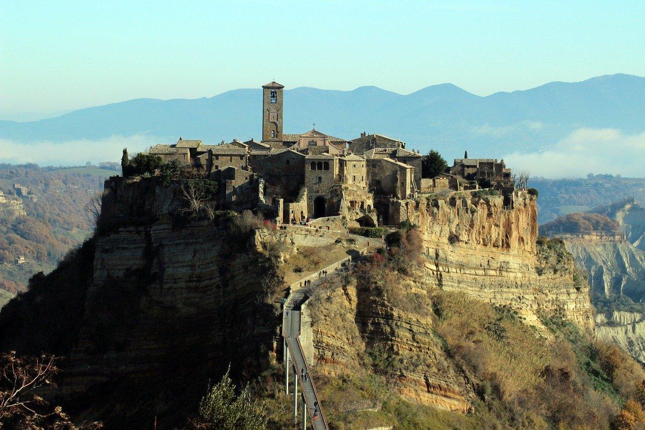 Orvieto e Civita di Bagnoregio – Il presepe nel pozzo e il presepe vivente