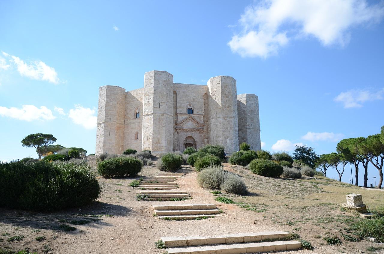 Natale tra Puglia e Basilicata – Trani, Matera, Altamura, Bari, Alberobello e Castel del Monte