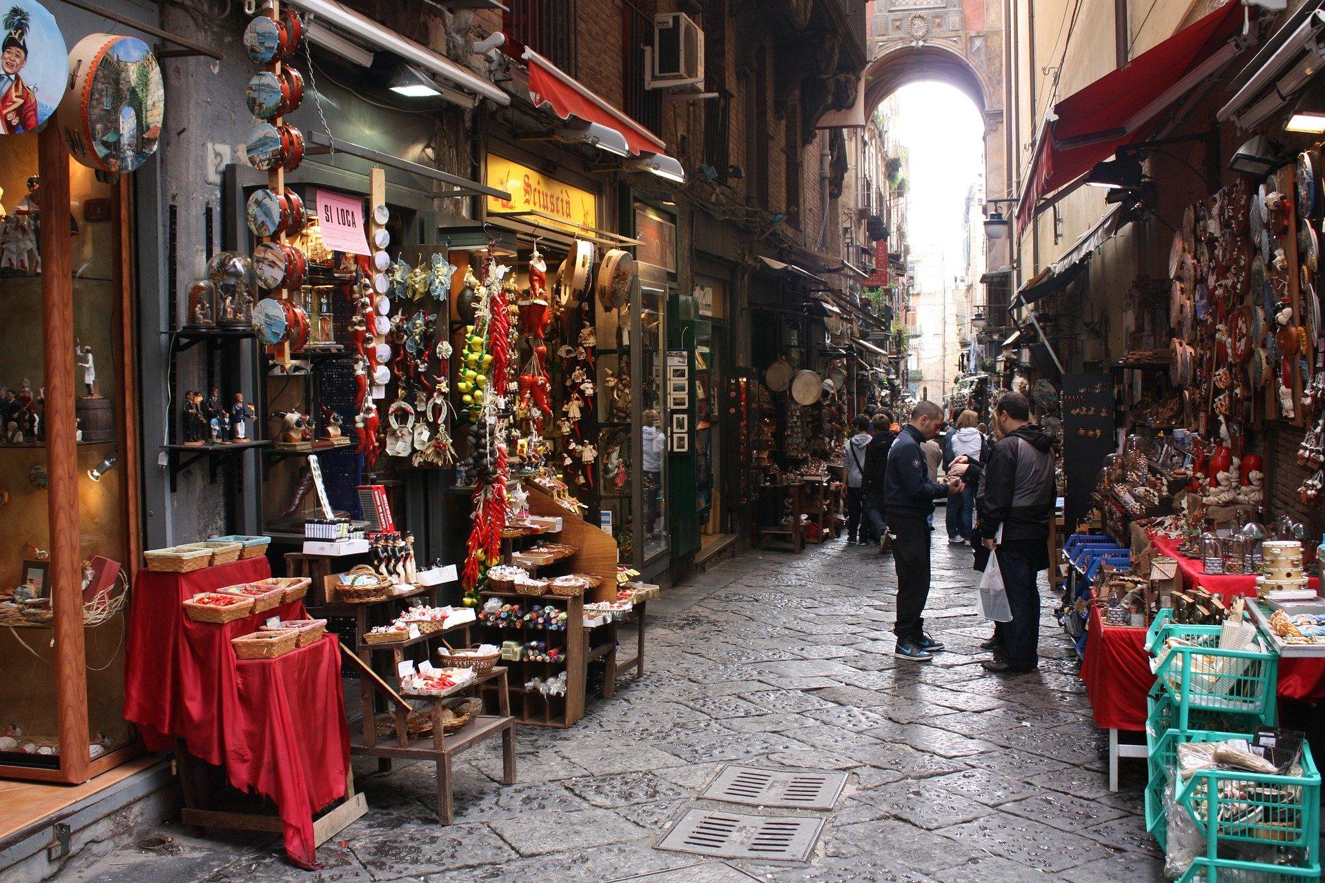 Napoli – Avvento partenopeo – Napoli monumentale e Spaccanapoli