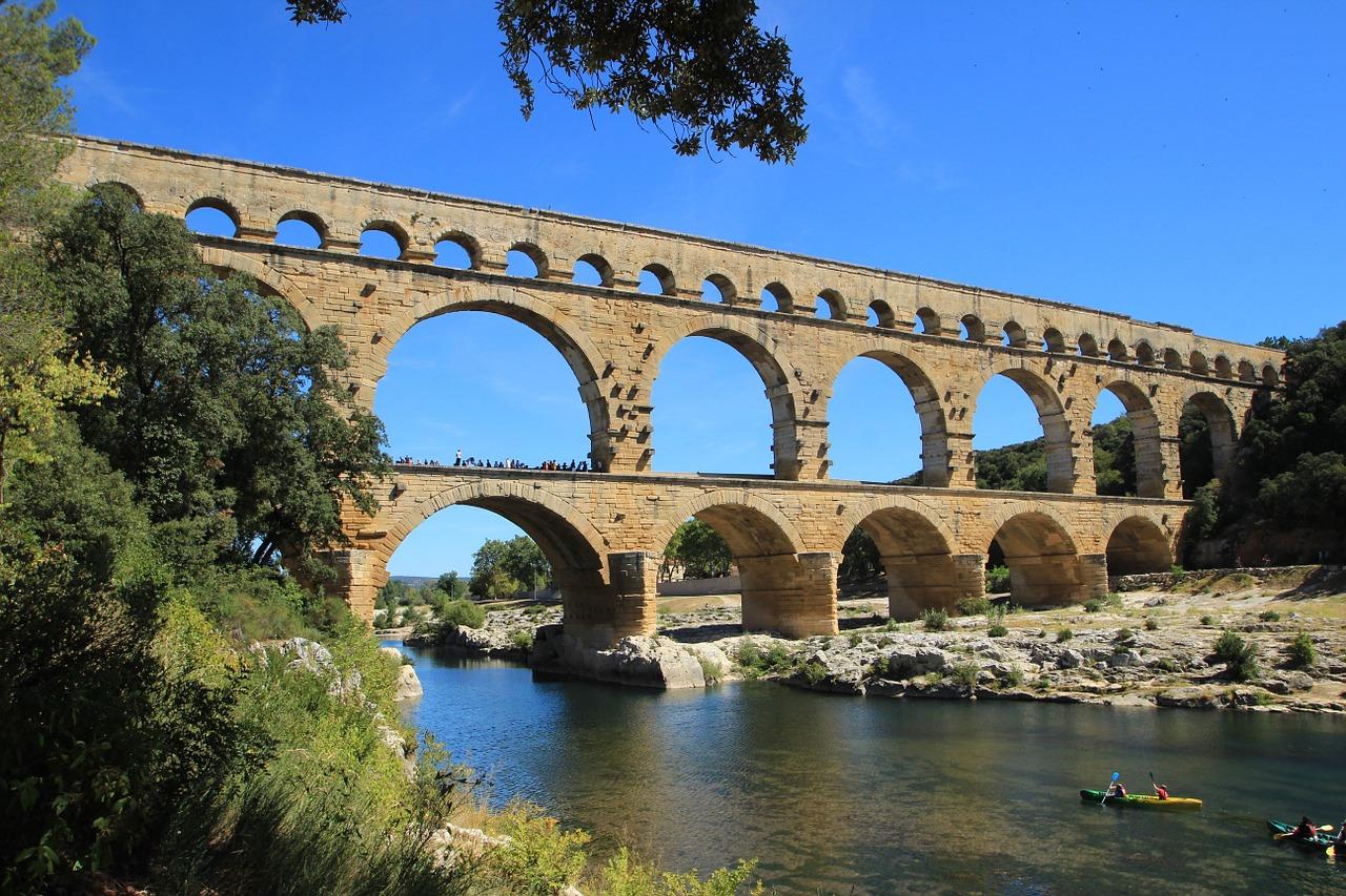 Capodanno in Provenza e Camargue – Nimes, Avignone, Arles, Saint Marie de la Mer, Aigues Mortes e Crociera nel Piccolo Rodano