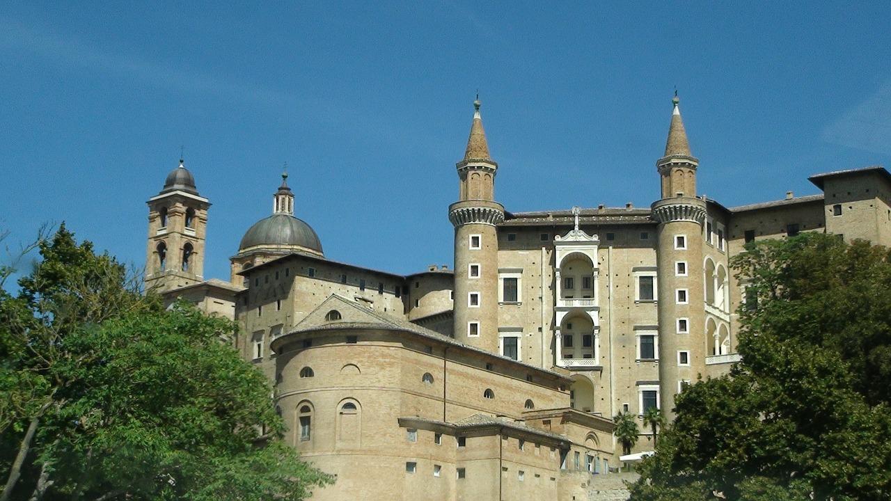 Urbino – La via dei presepi