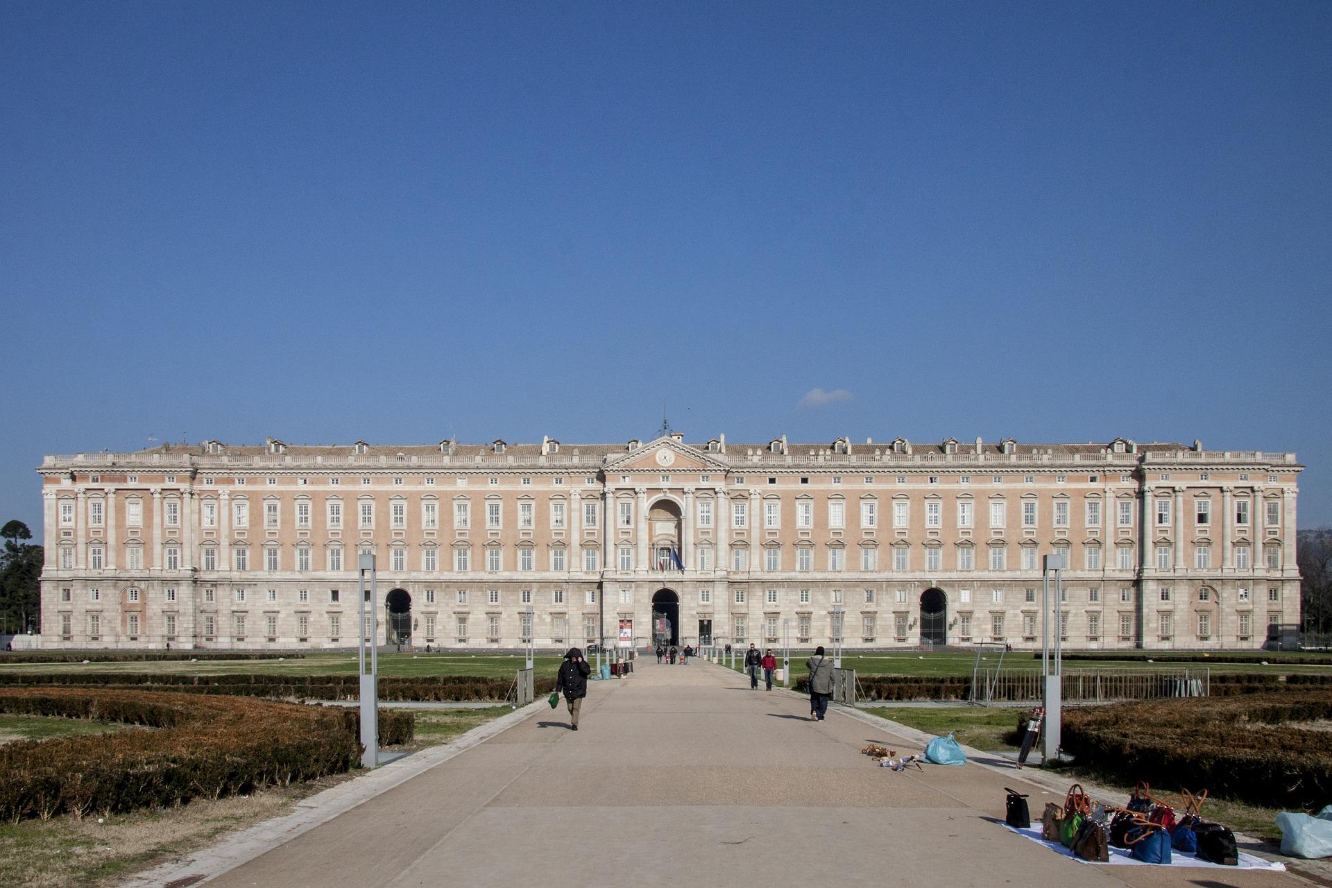 Caserta – La Reggia, l'Anfiteatro romano e le Sete di San Leucio