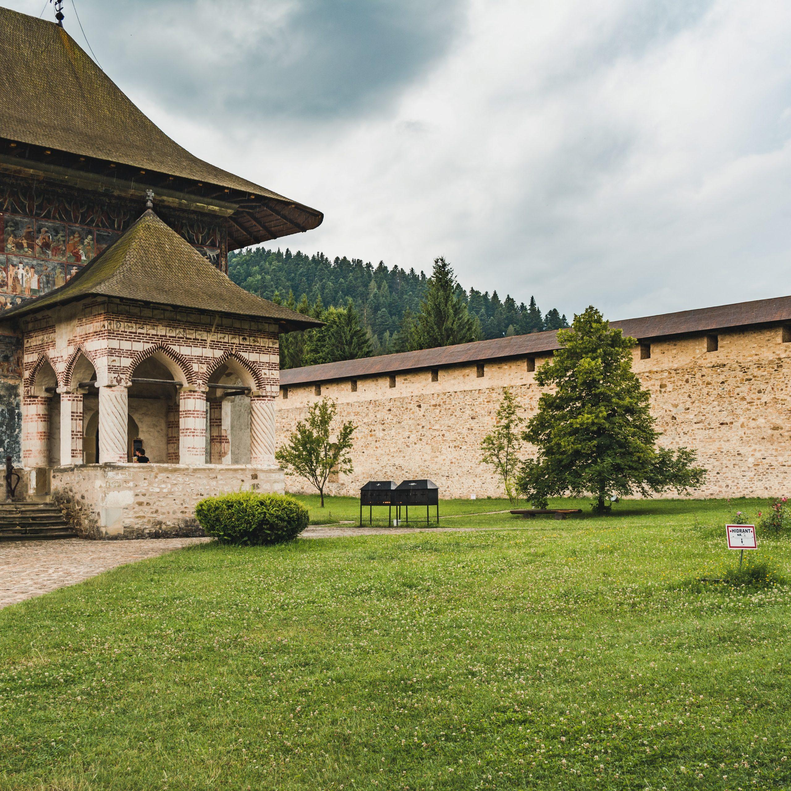Tour Romania